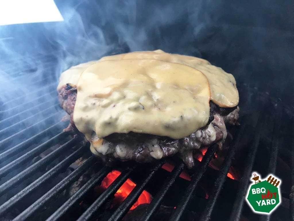 Burger od kile tj. zašto palim roštilj samo zbog jednog burgera 3
