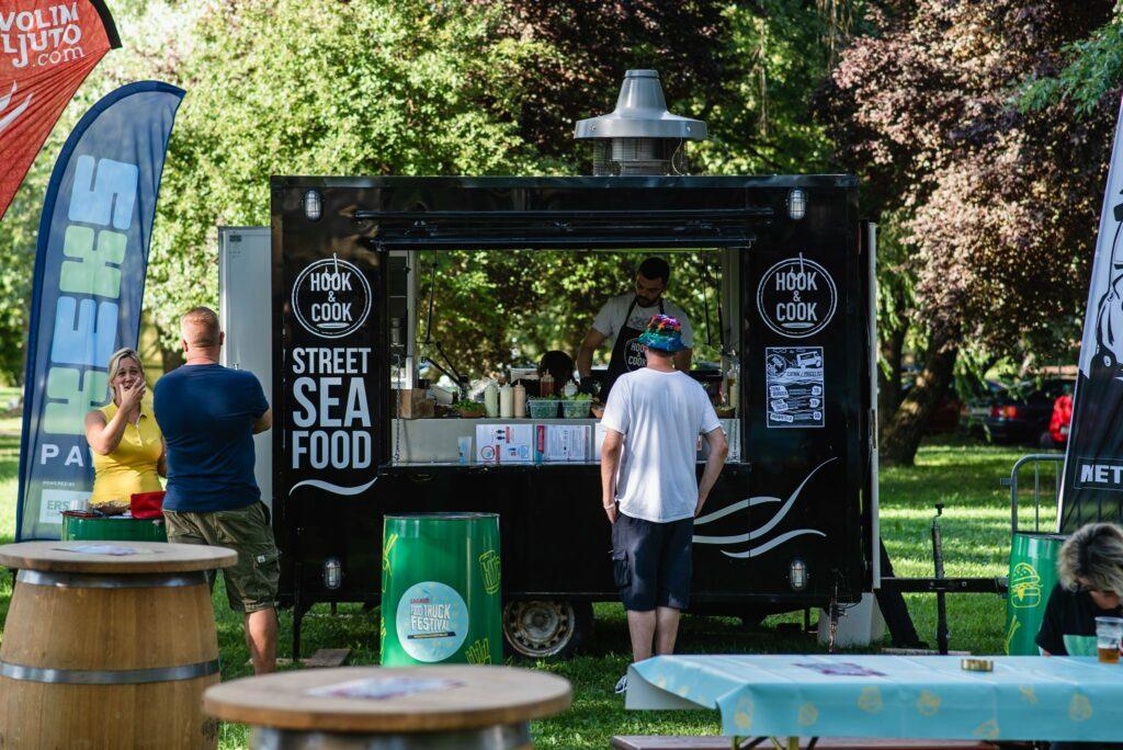 Hook & Cook food truck