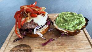 Burger od puretine s guacamole umakom - recept 9